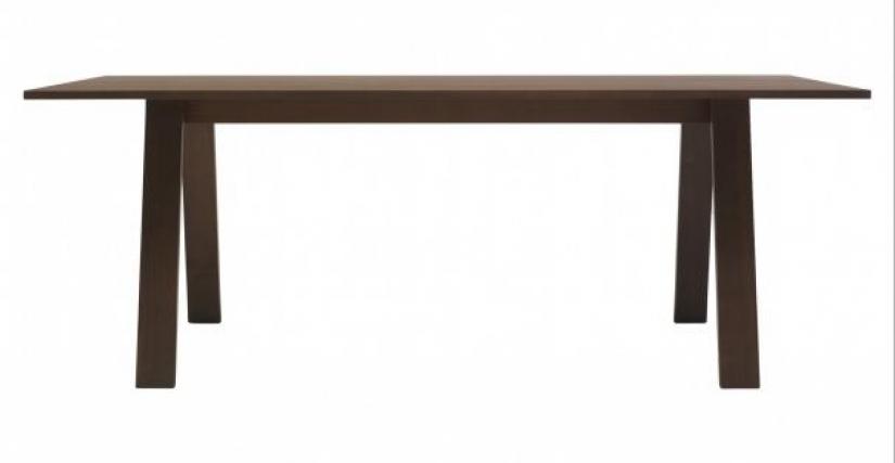 Обеденный стол Bac Tablе - от итальянского производителя Cappellini. Материал - покрытая лаком древесина. Цветовая гамма по каталогу производителя.