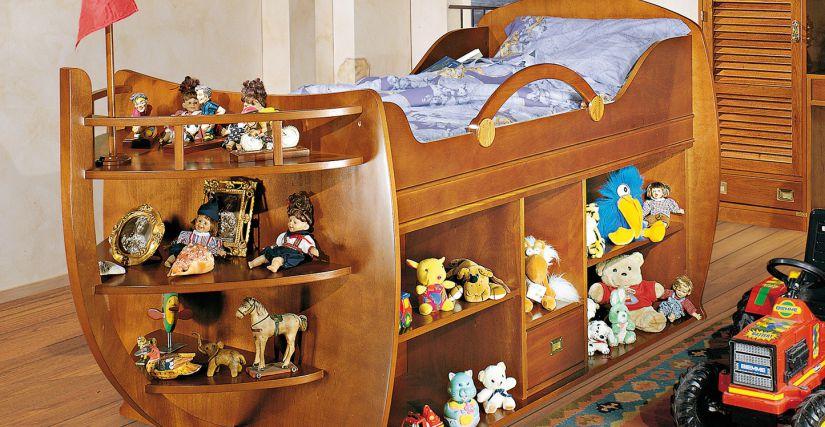 Кровать в виде лодки 122х128х260