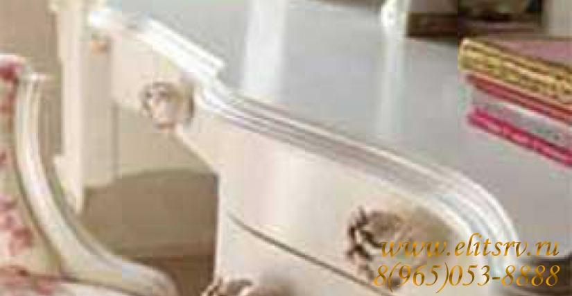 Стол Tea Арт. 1245 Размеры: Ш 138 Г 63 В 81 Вращающееся кресло Giulietta/IM Арт. 2058 Размеры: Ш 70 Г 70 В 98-106 Этажерка Diletta Арт. 2499 Размеры: Ш 92 Г 16 В 66