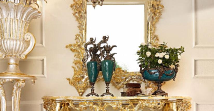 • 3024 консольный столик (сусальное золото 23 Kt) cm. 180 x 60 x 102 h. • 1123 Зеркало (сусальное золото 23 Kt) cm. 130 x 220 h.