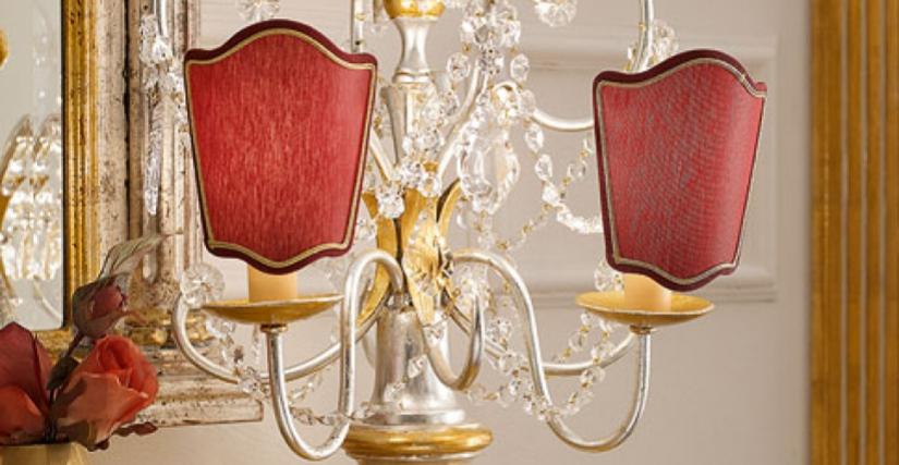 • 948 лампа со стеклянными подвесками и красными абажурами-экранами (L13) cm. ø 36 x 46 h.