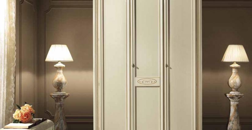 Трехдверный шкаф Размеры: Ш.164 Г.66 В.240