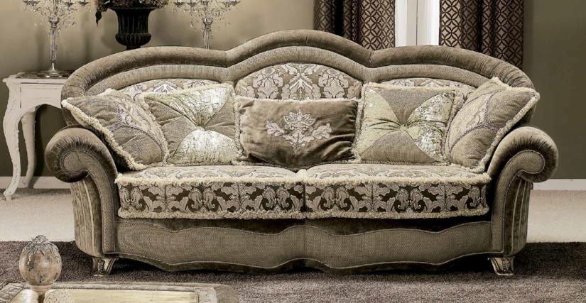 2-х местный диван, спинка плавно переходит в подлокотники. Наполнение - полиуретан. Возможны другие варианты обивки. Размер: Длина 221 Глубина 120 Высота 118