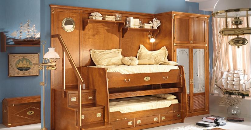 Наклонная двухъярусная кровать