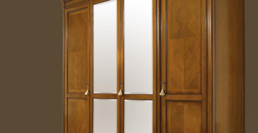 Шкаф 4-х дверный с внешними зеркалами Арт. 111 Размеры: Ш 290 Г 67 В 250