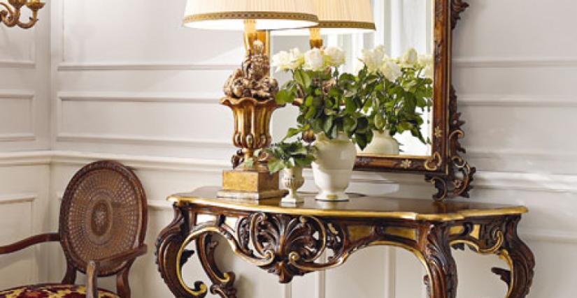 • 3022 консольный столик (L14) cm. 133 x 56 x 94 h. • 959 настольная лампа (L08 состаривание) cm. ø 50 x 97 h. • 1138 зеркало (L14) cm. 110 x 153 h.