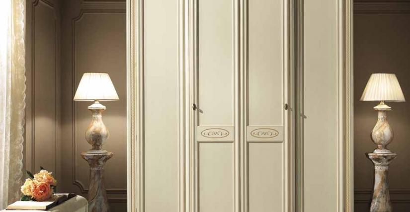 Четырехдверный шкаф Размеры: Ш.210 Г.70 В.240