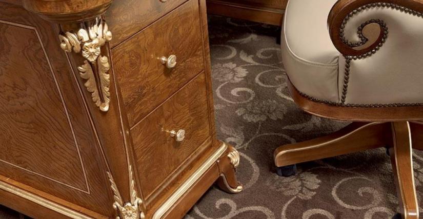 Письменный стол Арт. 883 Размеры: Ш 200 Г 100 В 78 Вращающееся кресло на колесиках Арт. 886 Размеры: Ш 62 Г 80 В 46/135