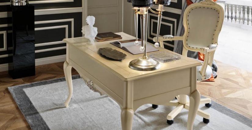 Письменный стол Размеры: Ш 142 Г 77 В 81 Вращающееся кресло K37 Размеры: Ш 70 Г 89 В 114