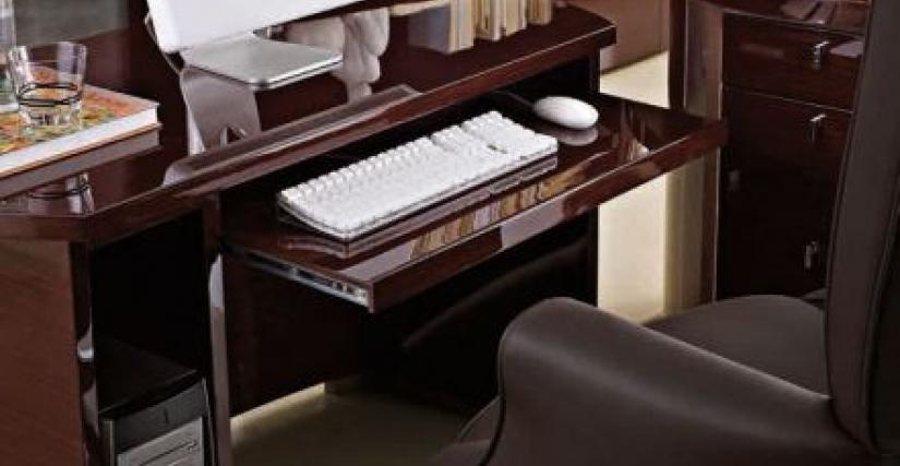 Компьютерный стол Арт. MU810 Размеры Ш 125 Г 60 В 72